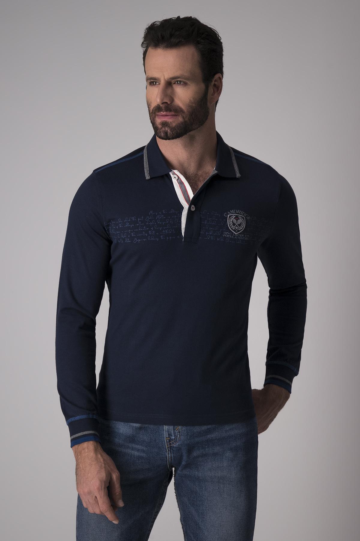 Polo Robert´s  azul, manga larga, contrastes y bordado en pecho.