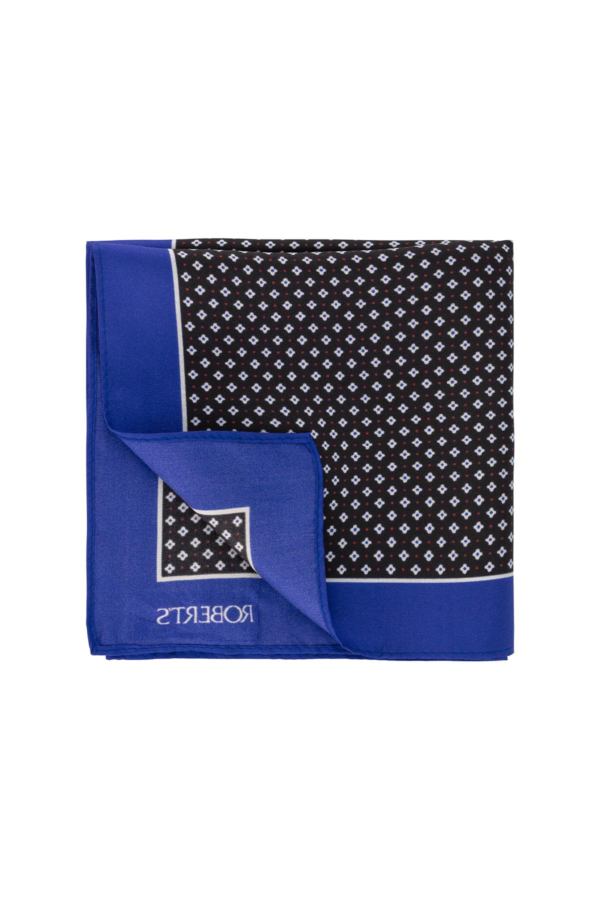 Pañuelo marca Robert´s color negro floral .