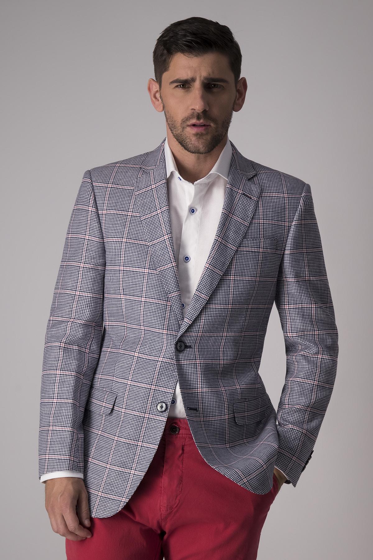 Blazer Robert´s  slim fit, lino mezcla, azul cuadros rosa.