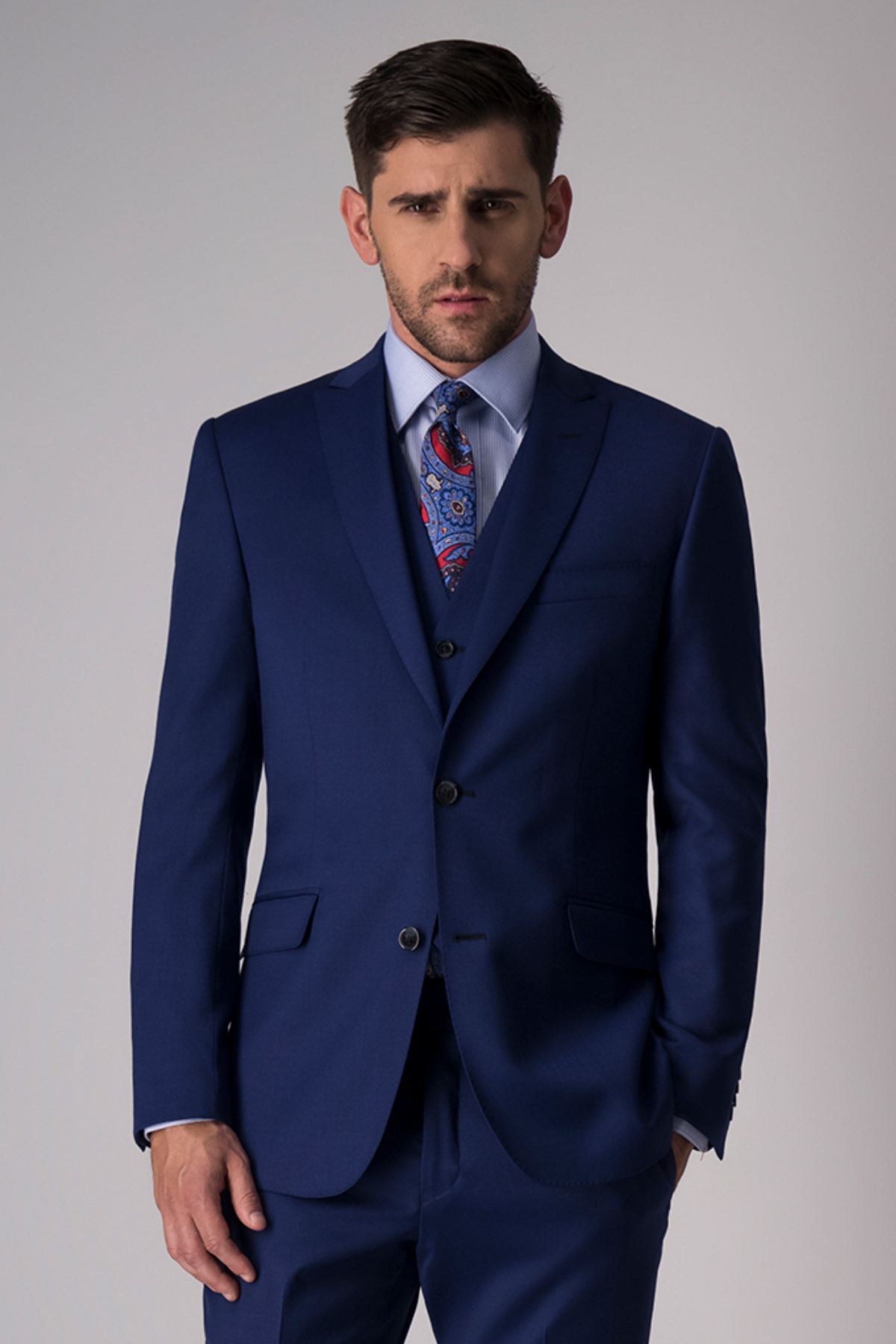 "Traje ""Trio"" Robert´s Red, azul, slim fit, lana stretch."