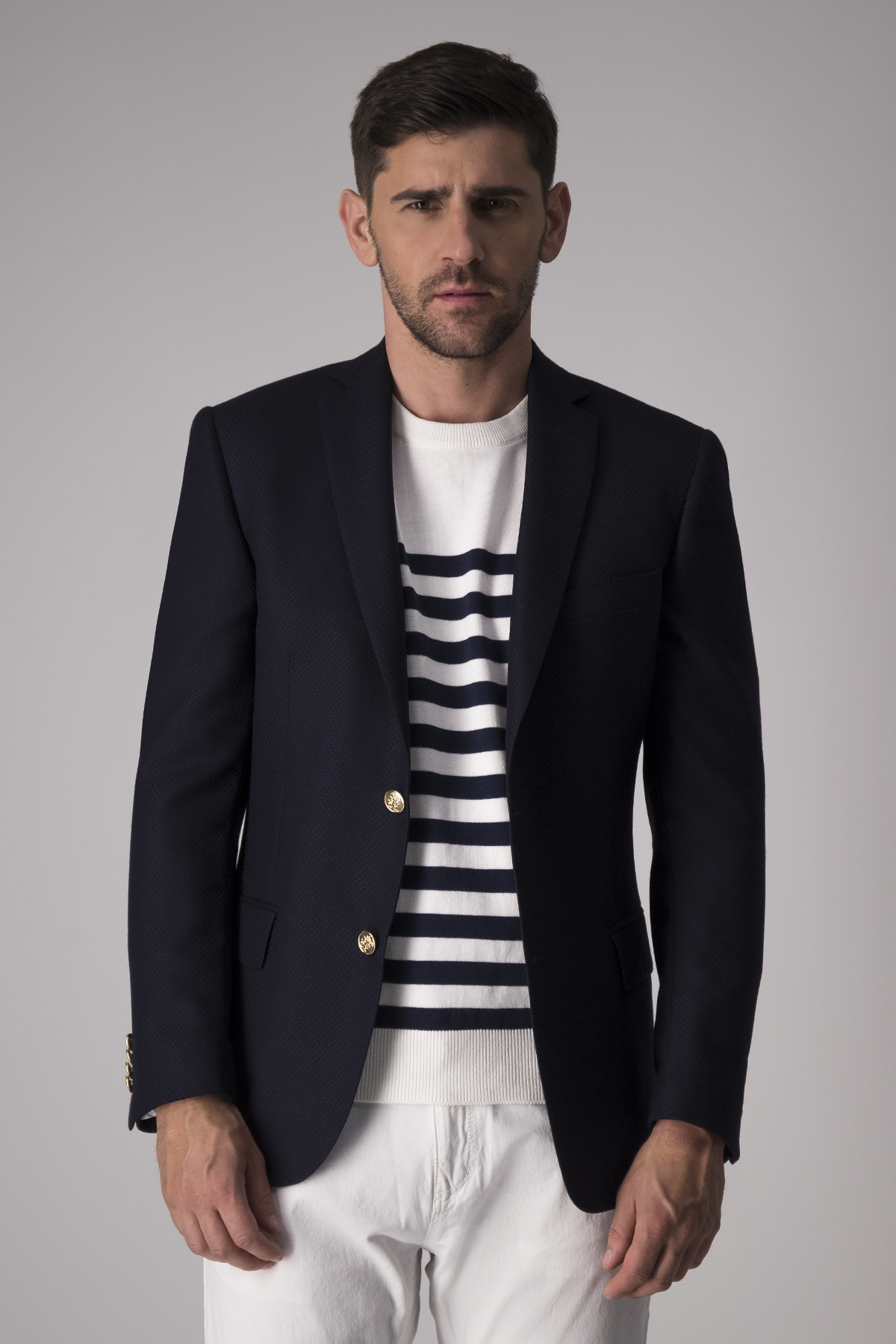 Blazer Robert´s  slim fit, 100% lana, color azul.