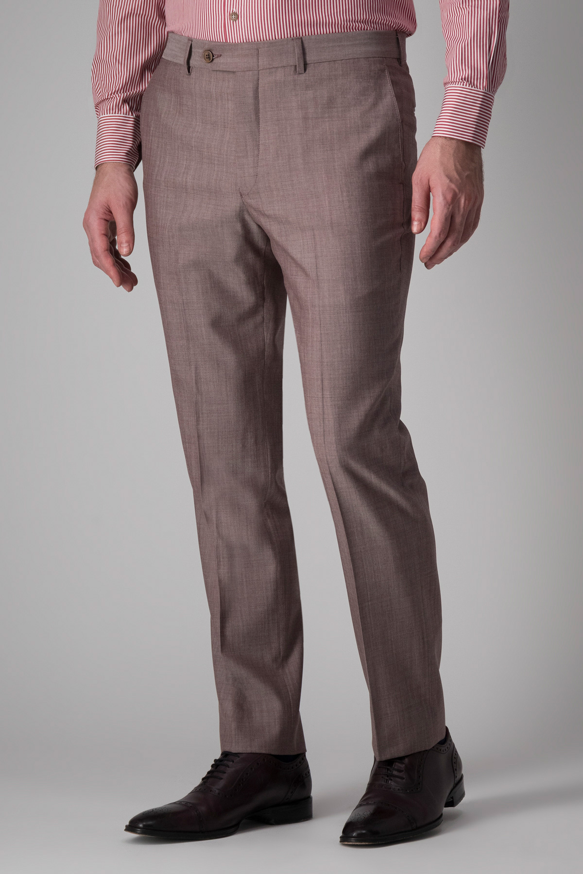 Pantalón Robert´s, 100%lana,  liso color uva melange.