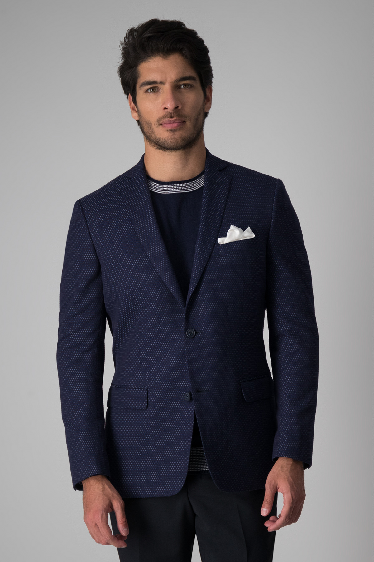 Saco Robert´s Red, algodón stretch, slim fit, azul microdiseño celeste.