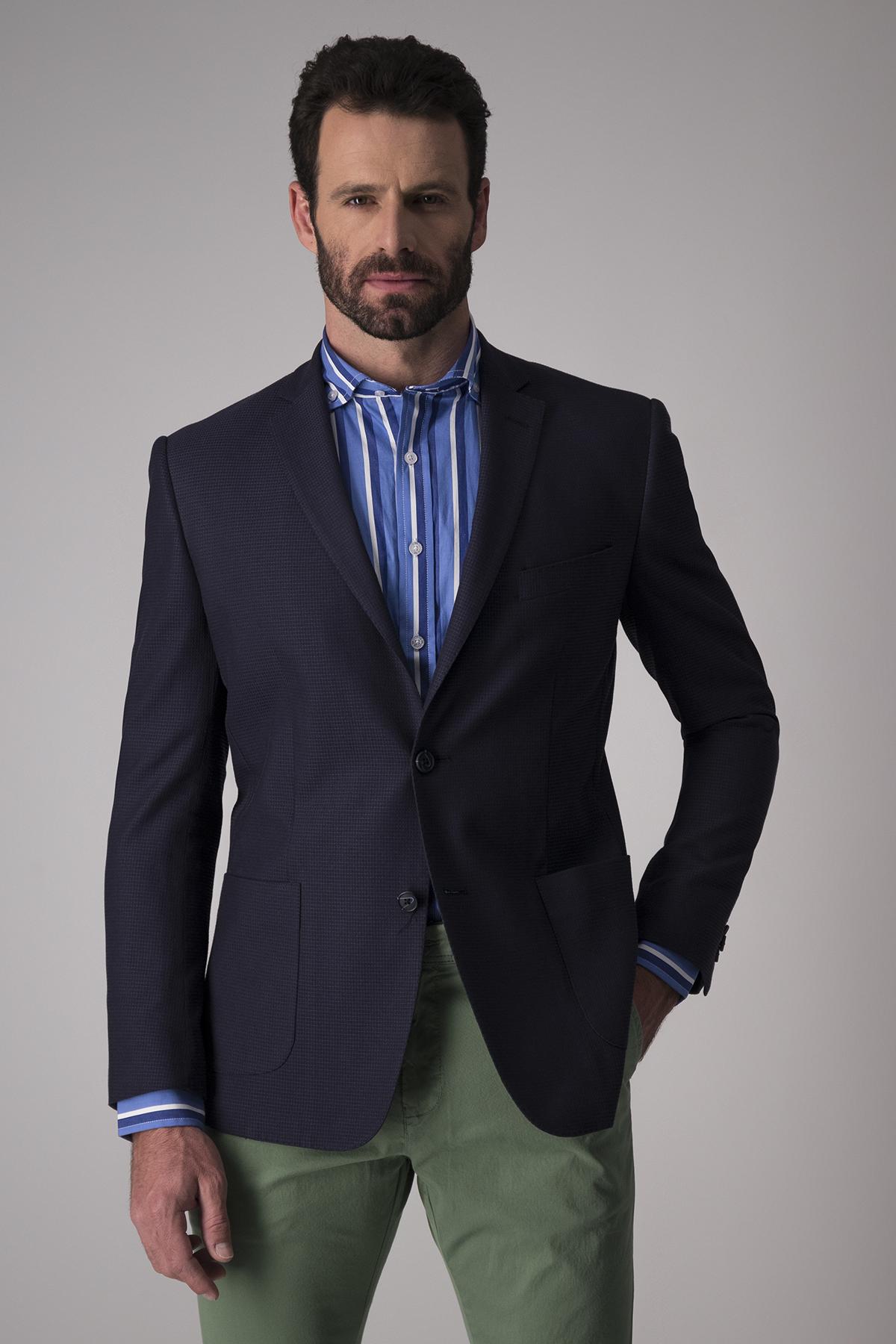Saco Robert´s Red, slim fit, micro diseño azul , algodón y elastano