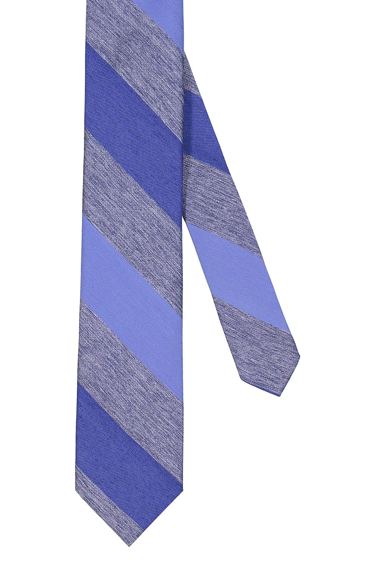 Corbata Calvin Klein, seda mezcla, rayada diagonal en tonos azules.
