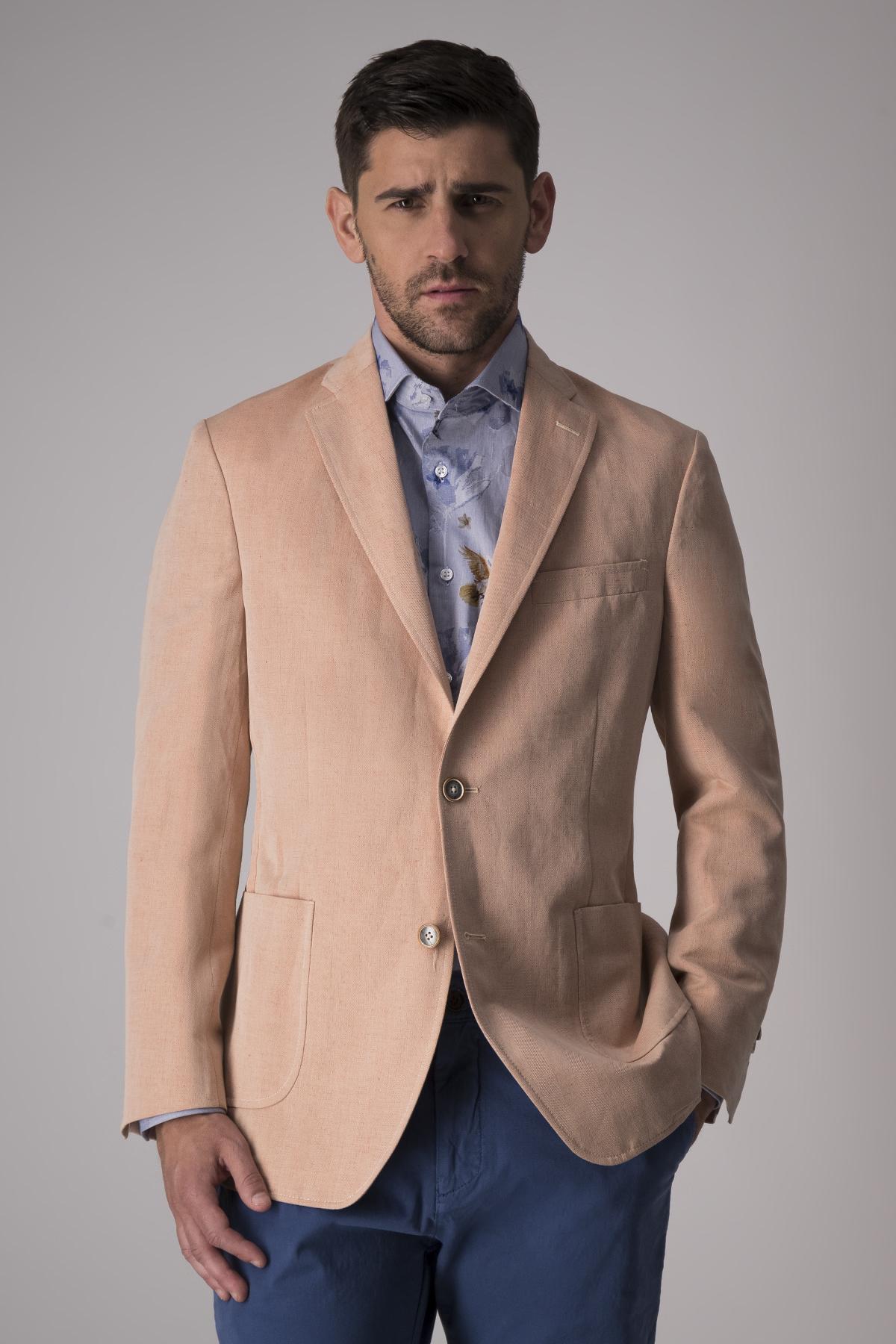 Saco Calderoni tela italiana color naranja,  Regular fit.