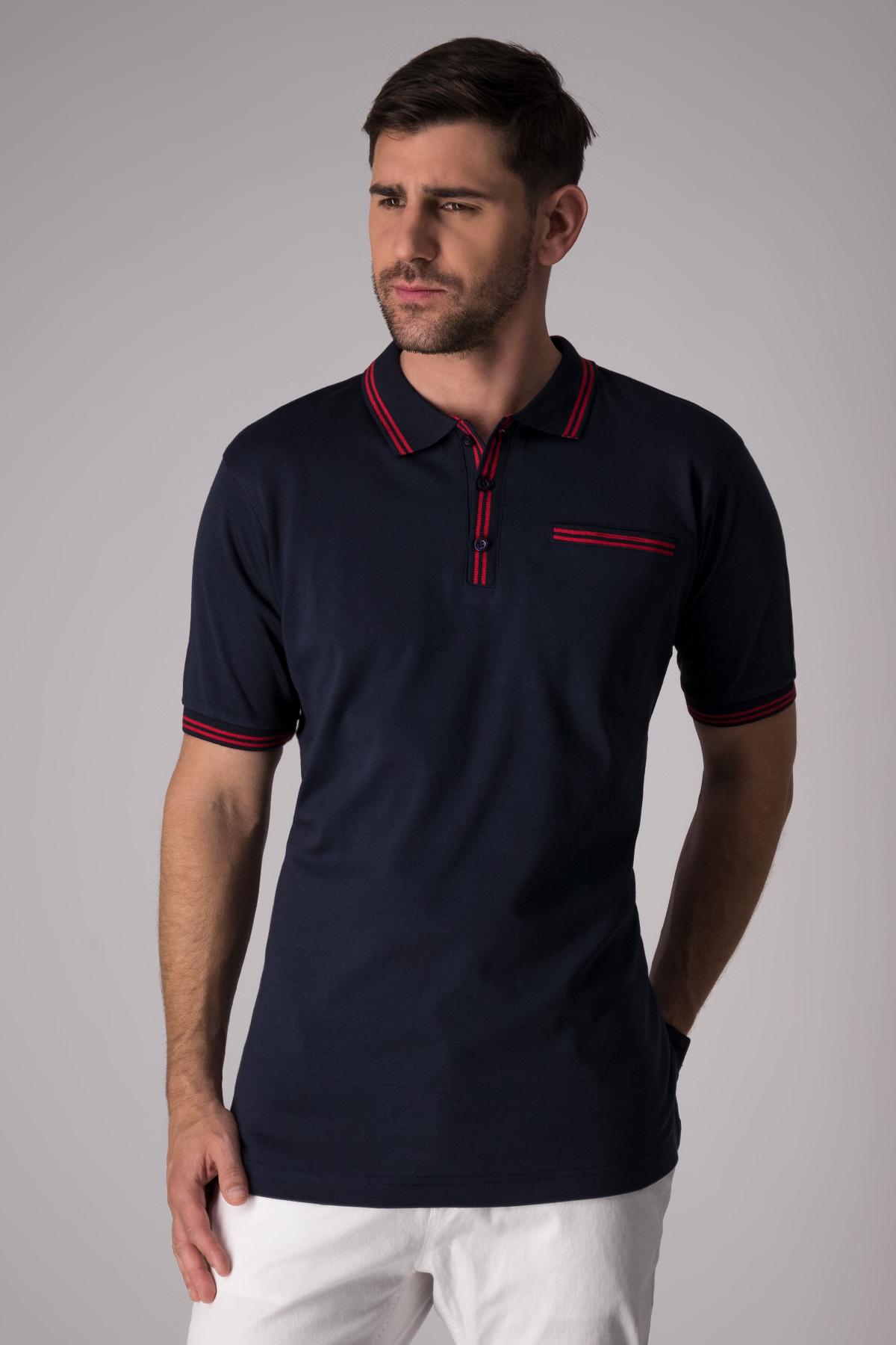 Polo Robert´s jersey color azul marino, con vivos en contraste.