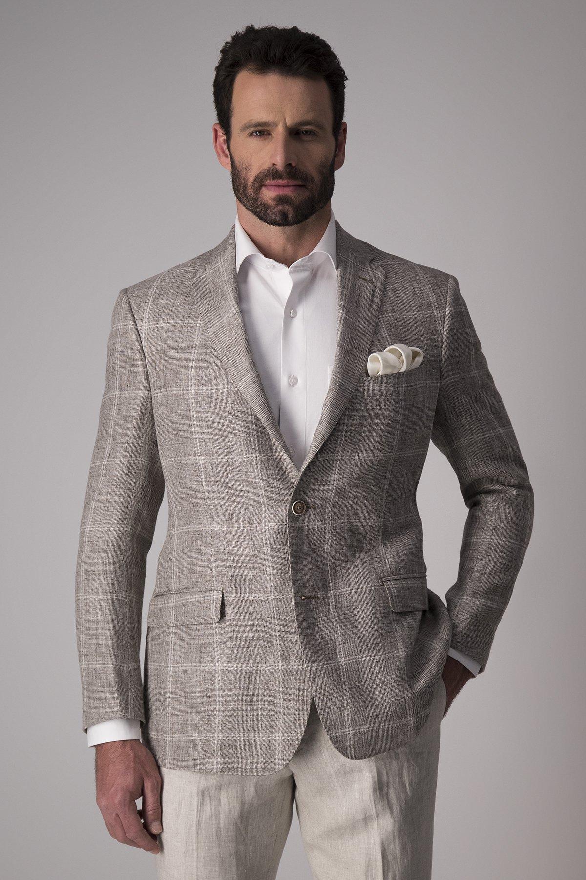 Saco Calderoni tela italiana cuadro beige,  Regular fit.