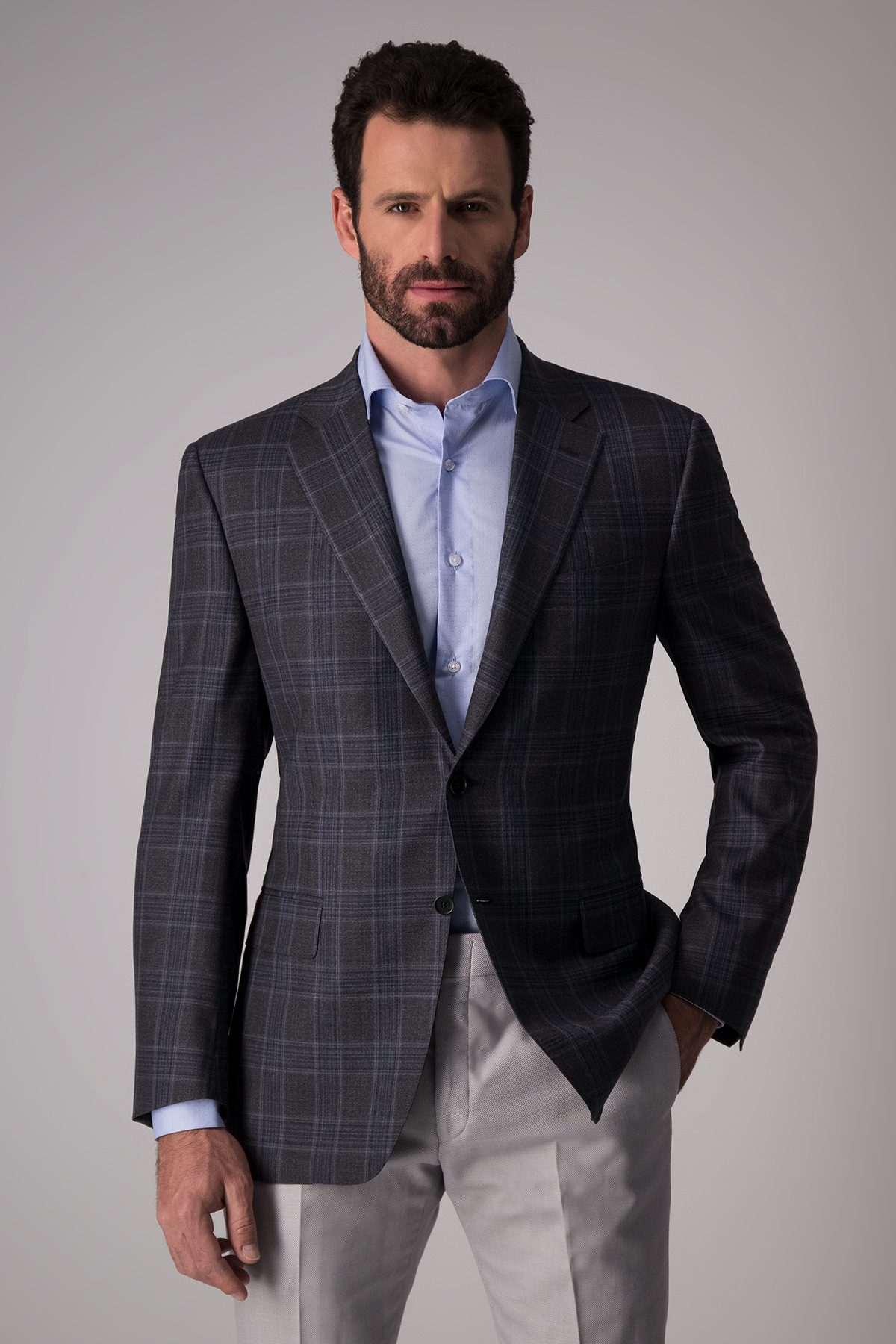 Saco marca Canali, Made in Italy,  gris oxford a cuadros.