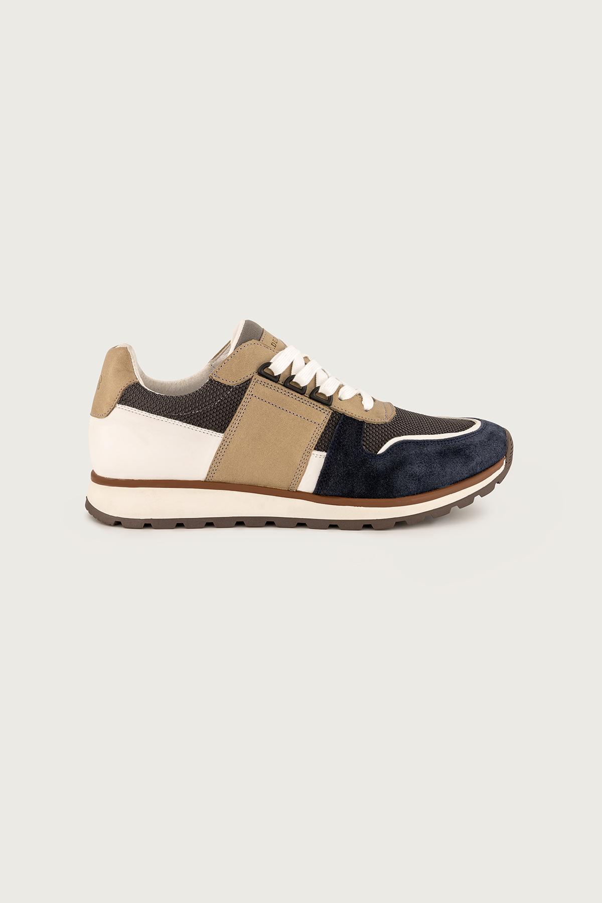 Sneakers Calderoni, modelo Cerdeña color azul.
