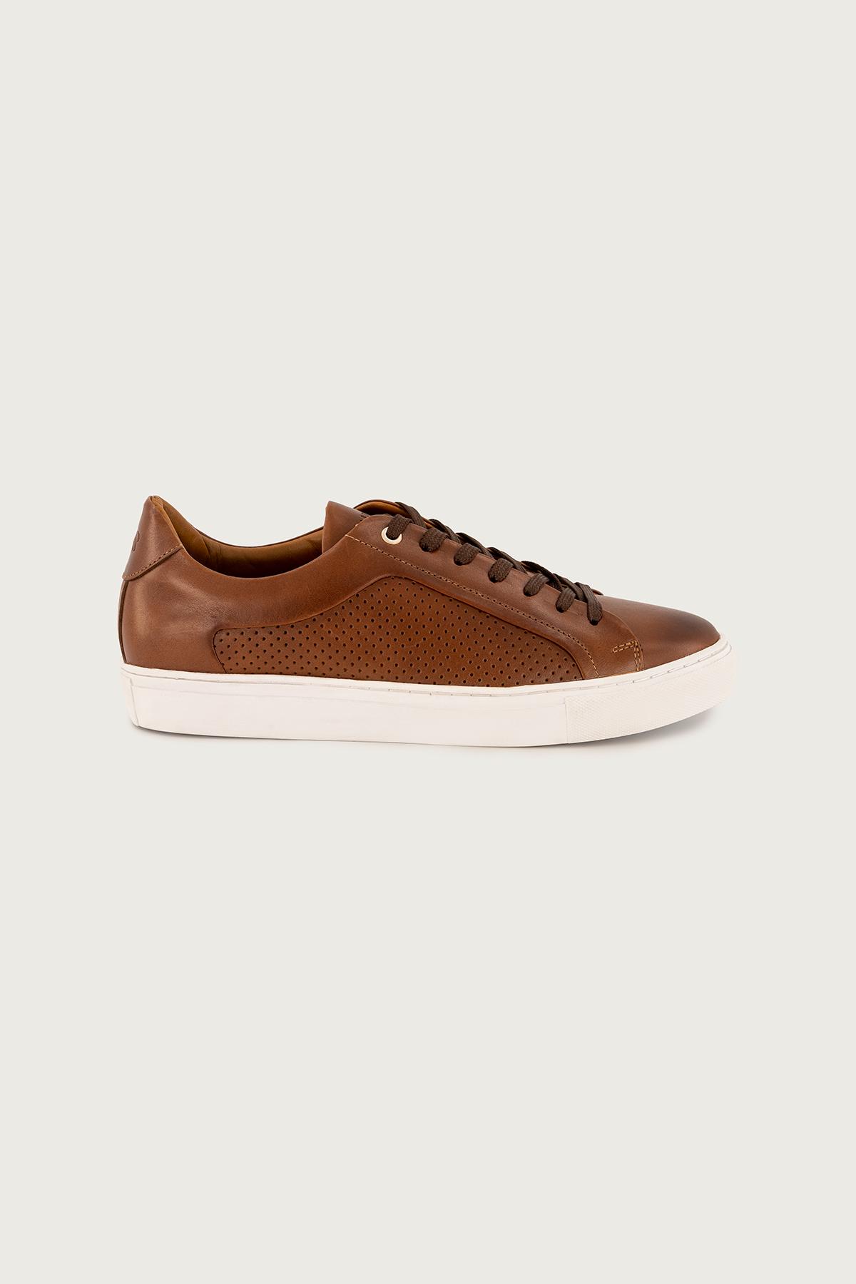 Sneakers Calderoni, modelo Milano, cuero vacuno color cogñac.
